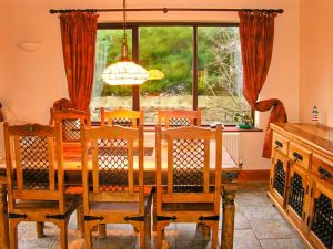 Dinning Space - Self catering accommodation - Llandudno