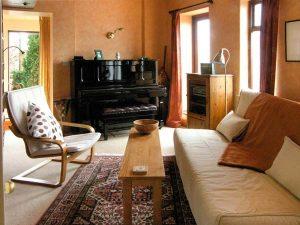 Piano room - Self catering accommodation - Llandudno