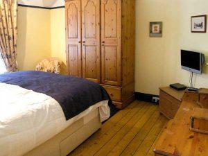 Bedroom 1 - Self catering accommodation - Llandudno